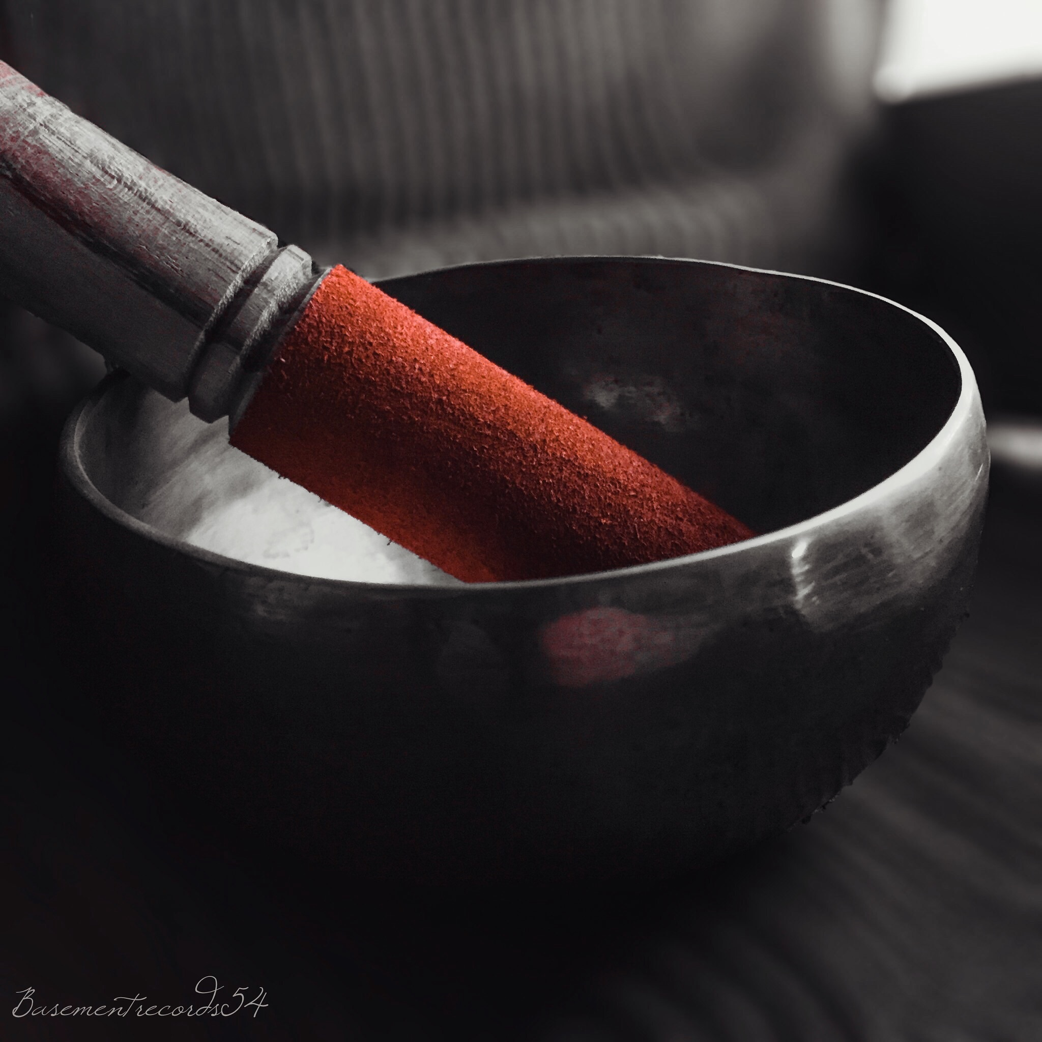 What are singing bowls? These sound really cool. I need one!