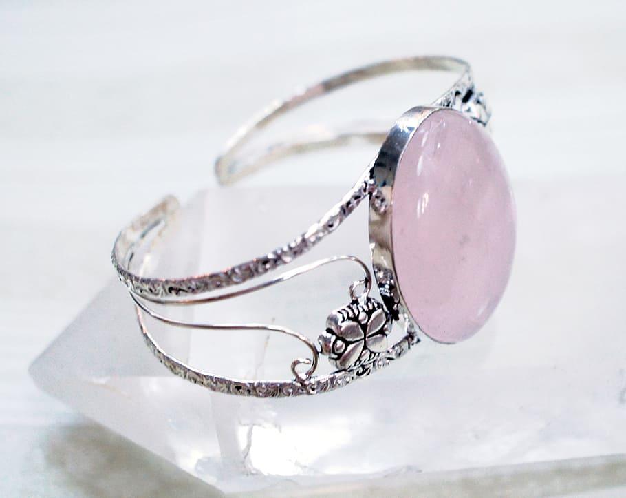 Rose quartz ring. Rose quartz properties 2